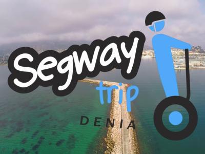 Toma aérea del puerto de Dénia con el logo de Segway trip Dénia